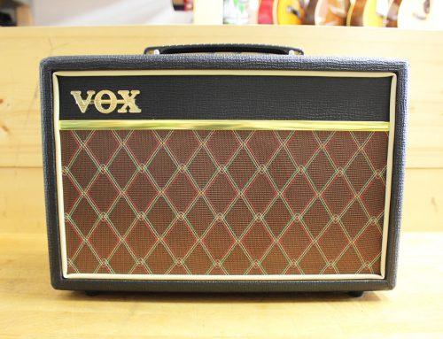 横浜市のお客様より中古ギターアンプ「VOX PF-10 Pathfinder」を買取させて頂きました。