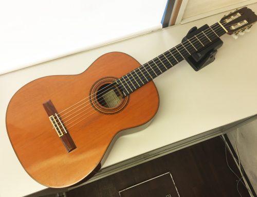 東京都墨田区のお客様より中古クラシックギター「Masaru Matano CLASE400」を買取させていただきました。