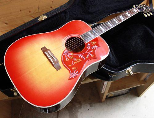 茅ヶ崎市のお客様より中古アコースティックギター「Gibson Custom Shop Early 1960's Hummingbird VCS 2015年製」を買取させて頂きました。