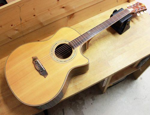茅ケ崎市のお客様より中古アコースティックギター「LANDSCAPE SPT-CST/R」を買取させて頂きました。