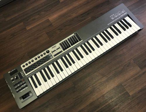 東京都荒川区のお客様より中古MIDIキーボード「EDIROL PCR-800」を買取させていただきました。